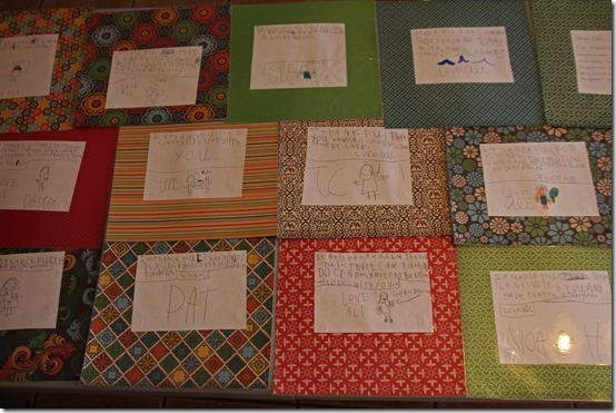 Easy Thanksgiving dinner placemats made by children.