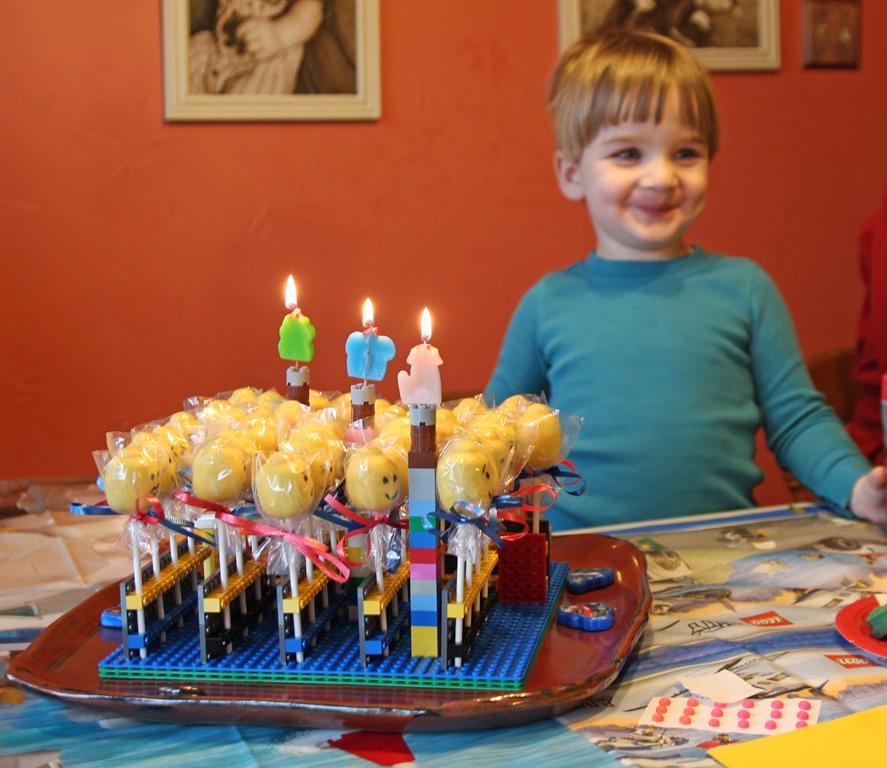 Legos Cake Pops