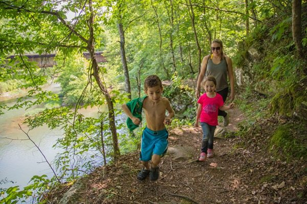 Hiking-to-Lilies2